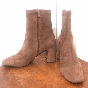 "Jeffrey Campbell Shoes - Jeffrey Campbell - NWOT ""Cienega Lo"" Booties!"